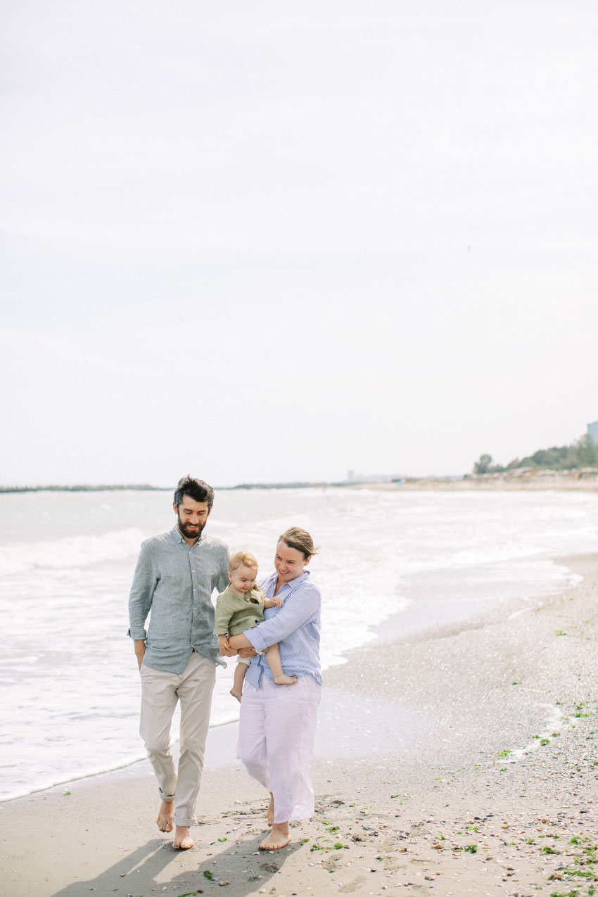 About us - White Ruffles Photography